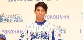 神里和毅選手(DeNA)はドラフト指名漏れからレギュラーへ!年棒や評価は?